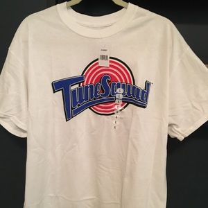 Other - NWT TUNE SQUAD MEN'S SIZE LARGE T SHIRT
